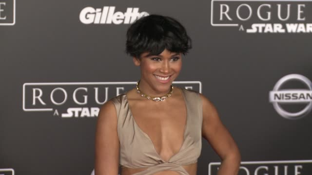stockvideo's en b-roll-footage met maya washington at rogue one a star wars story world premiere at the pantages theatre on december 10 2016 in hollywood california - maya