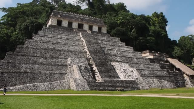 mayan pyramids at palenque - palenque stock-videos und b-roll-filmmaterial