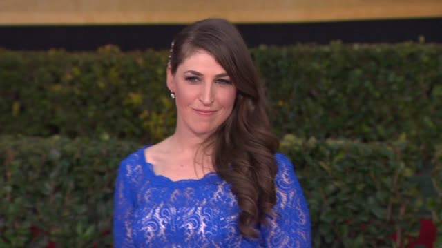 mayim bialik at 19th annual screen actors guild awards arrivals 1/27/2013 in los angeles ca mayim bialik at 19th annual screen actors guild aw at the... - mayim bialik stock videos & royalty-free footage