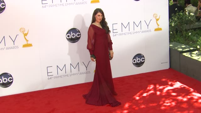 mayim bialik at 64th primetime emmy awards - arrivals on 9/23/12 in los angeles, ca. - emmy awards stock-videos und b-roll-filmmaterial