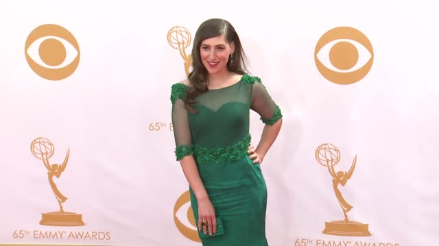 mayim bialik at the 65th annual primetime emmy awards - arrivals in los angeles, ca, on 9/22/13. - emmy awards stock-videos und b-roll-filmmaterial