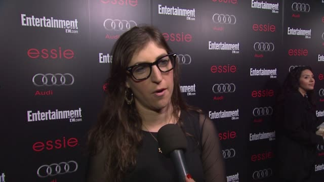 interview mayim bialik on awards season on the show on what it's like to see so many peers and friends at the shows at entertainment weekly hosts... - entertainment weekly stock-videos und b-roll-filmmaterial
