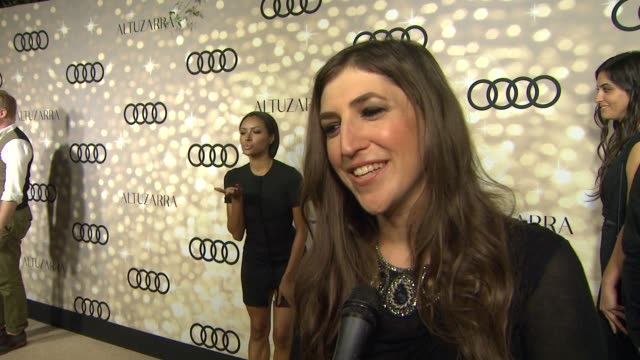 interview mayim bialik on who she is rooting for at audi and altuzarra kick off emmy week 2013 interview mayim bialik on who she is rooting for at... - mayim bialik stock videos & royalty-free footage