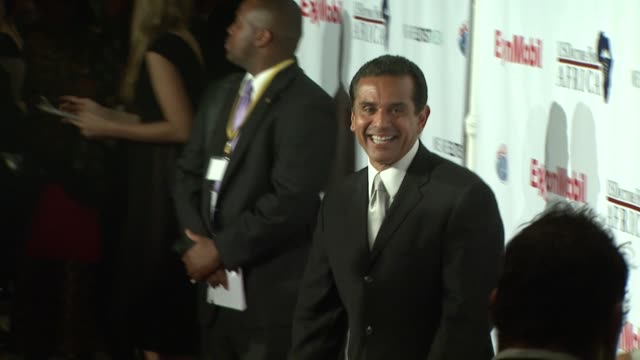 mayor antonio villaraigosa at the us doctors for africa honors the first ladies of africa at beverly hills ca - antonio villaraigosa stock videos and b-roll footage