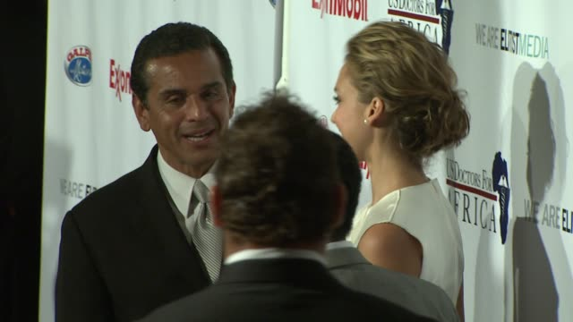 mayor antonio villaraigosa jessica alba at the us doctors for africa honors the first ladies of africa at beverly hills ca - antonio villaraigosa stock videos and b-roll footage
