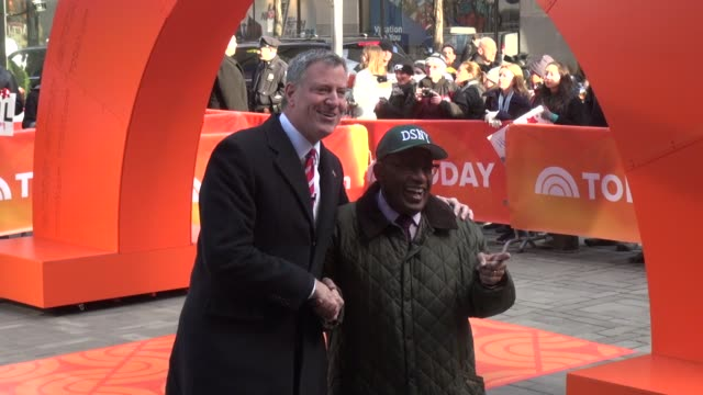 mayor bill de blasio & al roker pose for the press in the plaza on the outside set of the today show in rockefeller center in celebrity sightings in... - al roker stock videos & royalty-free footage