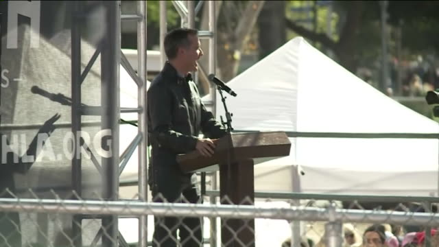 KTLA Mayor Eric Garcetti Speaking in Downtown for Women's March Los Angeles Hundreds of thousands of people marched from Pershing Square to City Hall...