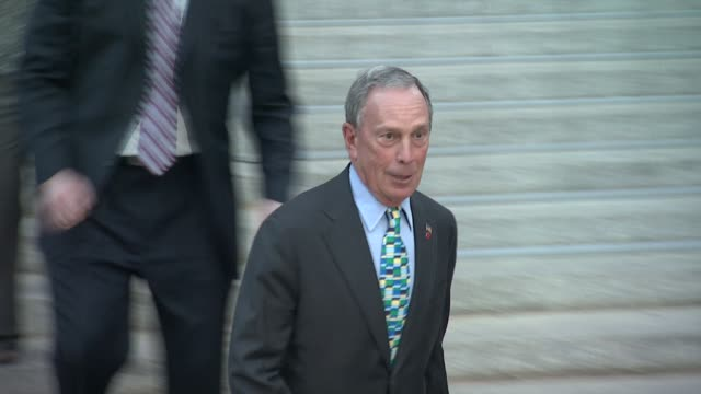 nyc mayor michael r bloomberg at vanity fair party 2012 tribeca film festival on 4/17/2012 in new york ny united states - bürgermeister stock-videos und b-roll-filmmaterial