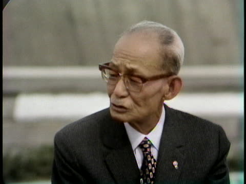 mayor of hiroshima setsuo yamada says the japanese people have forgiven the americans for dropping the atomic bomb in world war ii. - (war or terrorism or election or government or illness or news event or speech or politics or politician or conflict or military or extreme weather or business or economy) and not usa点の映像素材/bロール