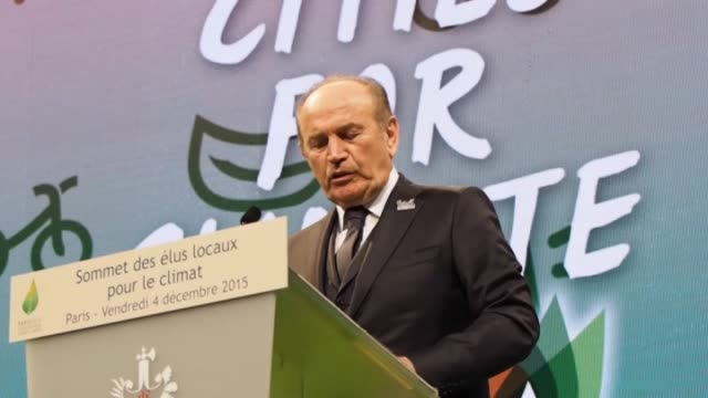 vídeos de stock e filmes b-roll de mayor of istanbul metropolitan municipality and the president of united cities and local governments , kadir topbas, french president francois... - 2015