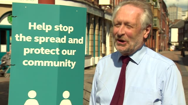 """mayor of leicester, peter soulsby, saying """"it's amazing how much the city has come to life"""" after its localised coronavirus lockdown was lifted - stato di emergenza video stock e b–roll"""
