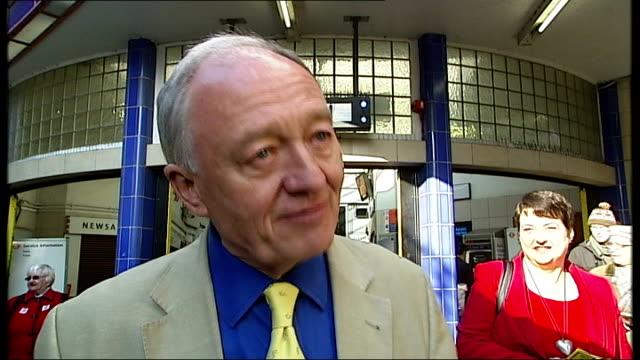 stockvideo's en b-roll-footage met campaigning begins london livingstone campaigning outside station people crossing road ken livingstone interview sot people say that you have to win... - ken livingstone