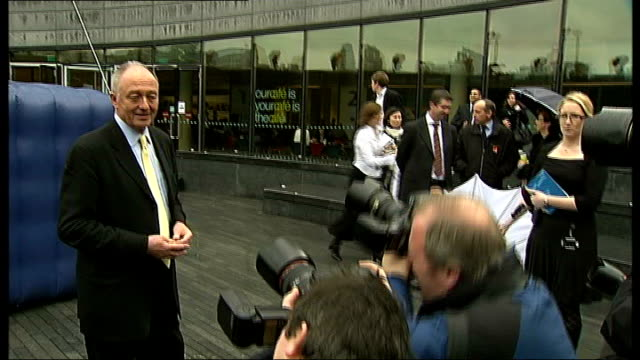 mayor of london launches energysaving lightbulb initiative england london south bank photography * * ken livingstone posing for press in front of... - energy efficient lightbulb stock videos and b-roll footage