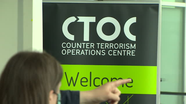 mayor of london sadiq khan and met police commissioner cressida dick visiting the counter terrorism operations centre - politics and government stock videos & royalty-free footage