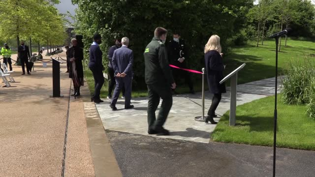 mayor of london sadiq khan opens the london blossom garden, a living memorial, created in partnership with the national trust, at the queen elizabeth... - national trust stock-videos und b-roll-filmmaterial