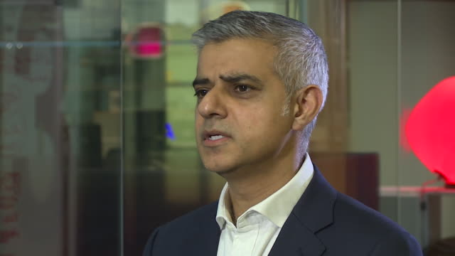 mayor of london sadiq khan saying that police stop and search is an 'invaluable tool' to the police - knife weapon stock videos & royalty-free footage