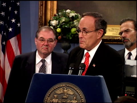 vídeos y material grabado en eventos de stock de mayor rudolph giuliani speaking at city hall press conference, october 1, 2001. lesson to be learned from ny yankees' performance in world series -... - 2001