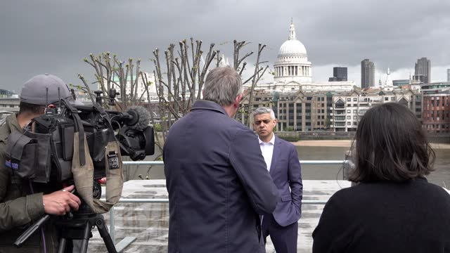 mayor sadiq khan is interviewed by various members of the media on a rooftop terrace overlooking st pauls cathedral and the city following the... - traditional ceremony stock videos & royalty-free footage