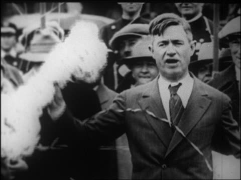 mayor will rogers holding flowered key to beverly hills + talking / newsreel - 1926 stock videos & royalty-free footage