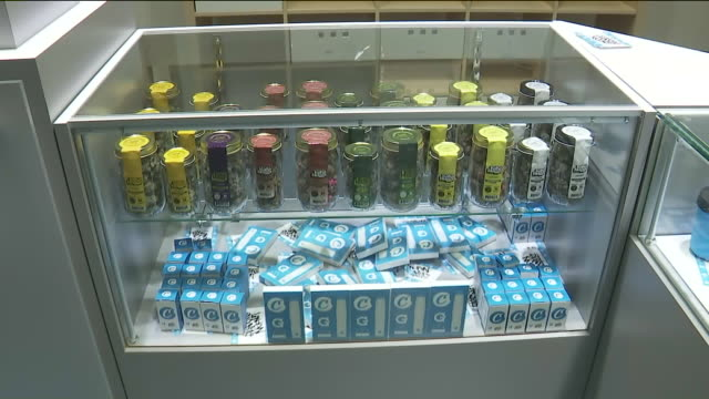 ktla maywood pot shop 'cookies' opens for recreational sales - marijuana cannabis video stock e b–roll