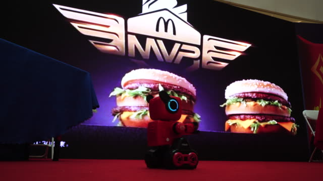 mcdonald's cooperated with china's hottest egame 'arena of valor' to host a series of campaign and customized three different sizes of big mac... - big mac stock videos and b-roll footage