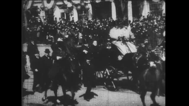 mckinley rides through the streets of washington dc / mckinley's inauguration / the funeral of queen victoria with her son and grandson / narrated - funerale video stock e b–roll