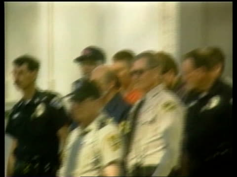mcveigh led out of building by police cf = b0461371 or b0230739 20.56.47 to 21.00.43 fx/mix pab = b0230548 - timothy mcveigh stock videos & royalty-free footage