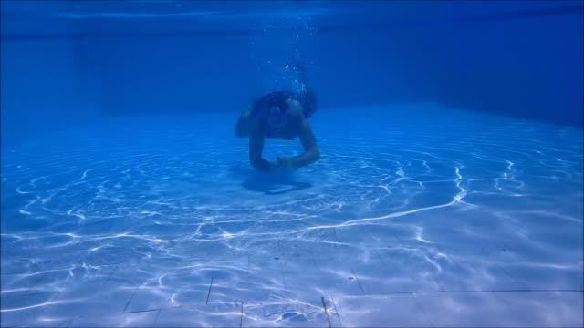 vidéos et rushes de me diving - 55 59 ans