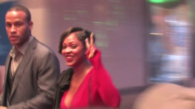 meagan good at the 'jack and jill' premiere in westwood on 11/6/2011 - ウェストウッド地区点の映像素材/bロール
