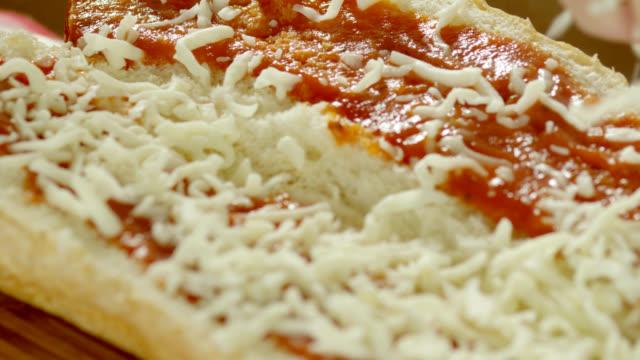 meatball sub - salsa di pomodoro video stock e b–roll