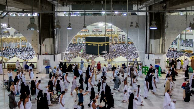 mecca, saudi arabia - pellegrino video stock e b–roll