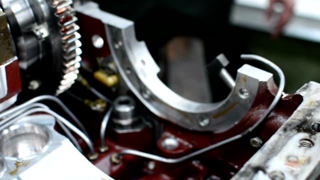 Mekanisk reparation bilmotor