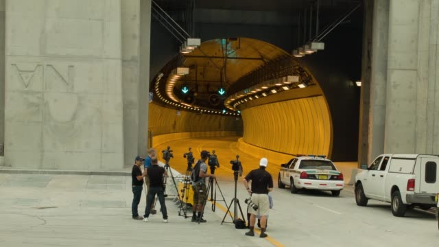 ls media at the portmiami tunnel entrance the portmiami tunnel opens for the first time on august 3 2014 in miami florida the tunnel that took three... - baia di biscayne video stock e b–roll