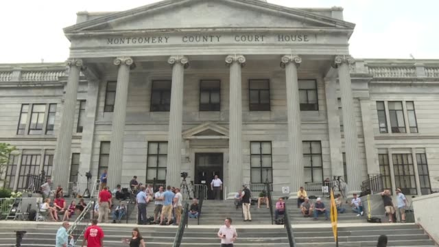 media outlets mass outside the montgomery county courthouse as the us jury presiding over the bill cosby trial was still deliberating after three... - courthouse stock videos & royalty-free footage