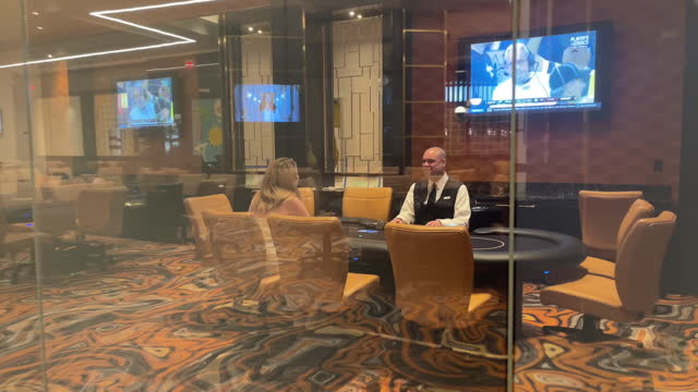 media preview exteriors and interiors of resorts world las vegas. malaysia's genting group developed the 3,500-room hotel with 117,000 square feet of... - large group of objects stock videos & royalty-free footage