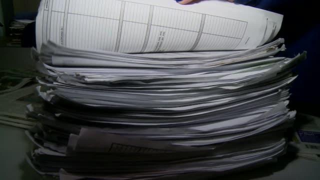 medical documentation - pfosten stock-videos und b-roll-filmmaterial