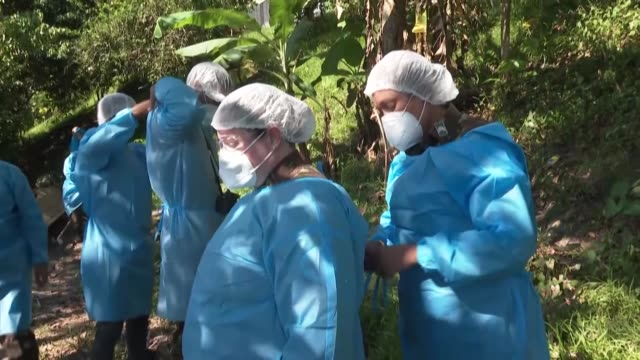 medical team from brazil's armed forces gives medical assistance to residents of cruzeirinho, an indigenous village of the mayuruna tribe in the... - rainforest stock videos & royalty-free footage