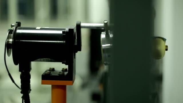 medical, nahaufnahme - wissenschaftliches experiment stock-videos und b-roll-filmmaterial