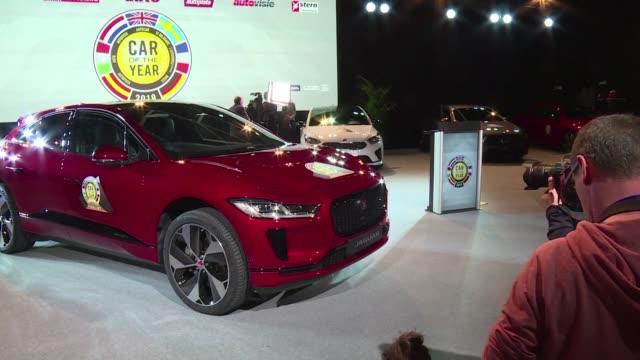 A medida que las emisiones de CO2 se limitan mas y mas los autos electricos ganan terreno en el Motor Show de Genova donde las compañías...