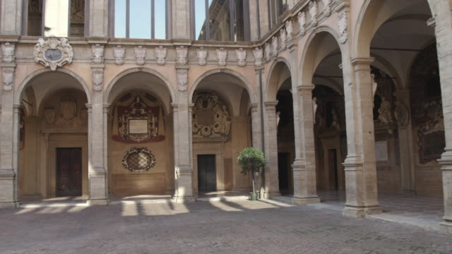 ws pan medieval courtyard / bologna, italy - courtyard stock videos & royalty-free footage