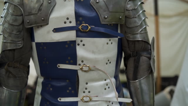 medieval knights armor suit - the crusades stock videos & royalty-free footage