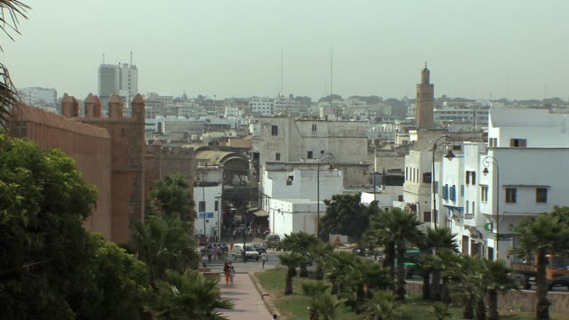 ws ha medina skyline, rabat, morocco - minareto video stock e b–roll