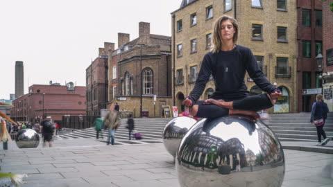 meditation mindfulness time-lapse - tag stock-videos und b-roll-filmmaterial