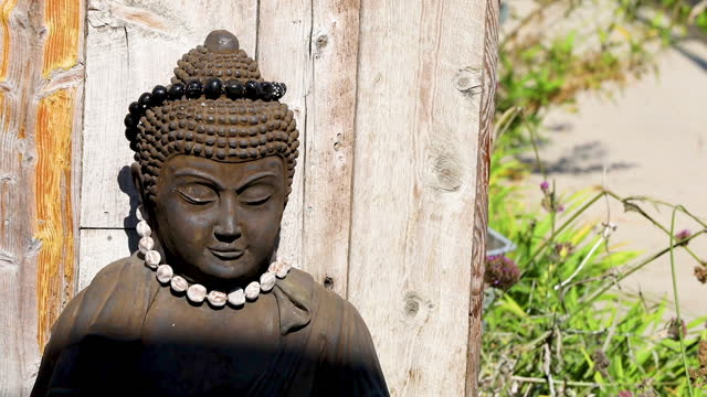 meditation statue outdoors - new age stock videos & royalty-free footage