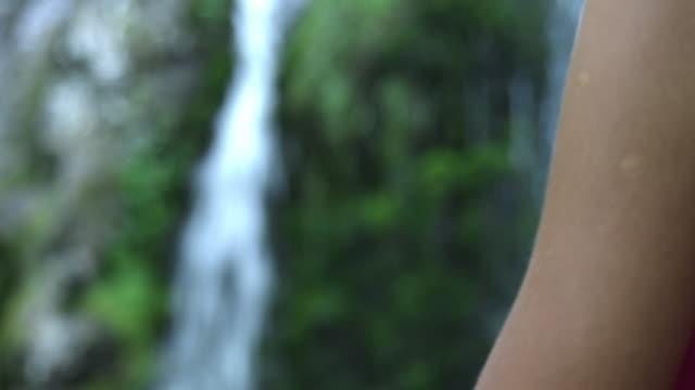 meditator's hands in mudra position - mudra stock videos & royalty-free footage