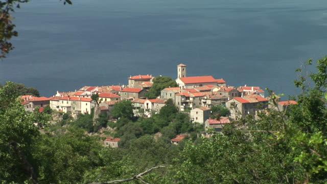 vídeos de stock e filmes b-roll de hd: mediterrâneo de liquidação - aldeia de pescador