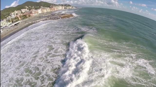 vídeos y material grabado en eventos de stock de ondas de sonido mediterráneo (vídeo) - maremoto