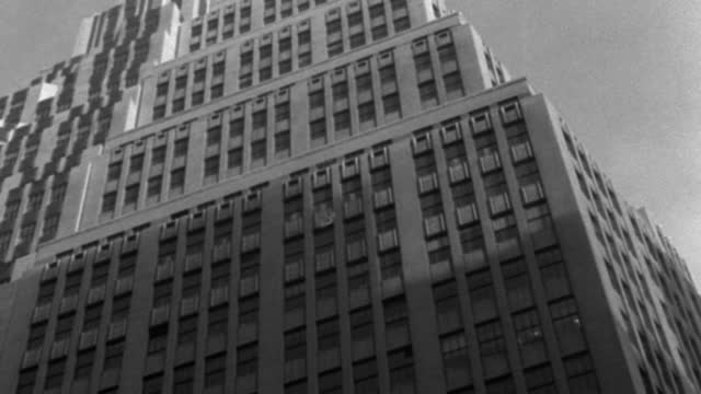medium shot of 1 wall street against sky, lower manhattan, manhattan, new york city, new york state, usa - 1937 stock videos & royalty-free footage