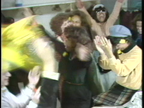 medium shot of fans going crazy when the pittsburgh pirates win the world series. - sport stock videos & royalty-free footage