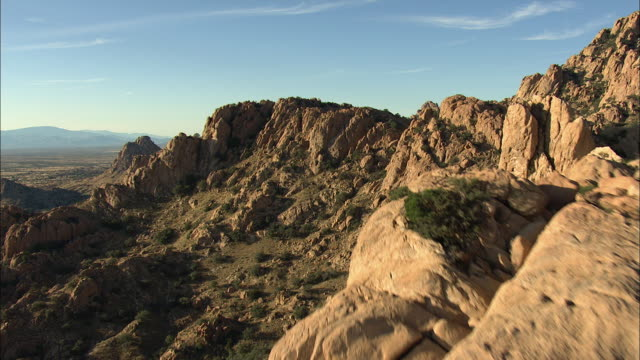 medium shot of rocky foothills in arizona - wilderness stock videos & royalty-free footage